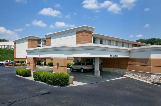 Red Roof Inn Knoxville Central: Exterior