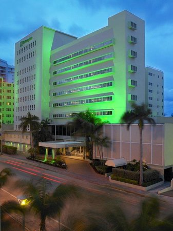 Holiday Inn Miami Beach-Oceanfront Early Evening Exterior