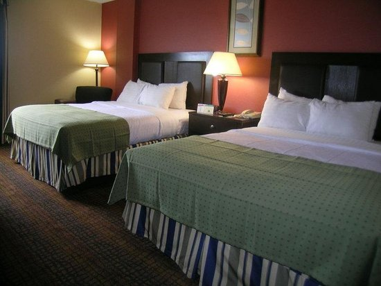 Holiday Inn Richmond I 64 West End: Enjoy our 2 Queen bed guestrooms