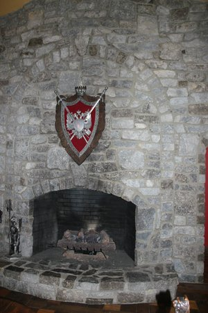 Ravenwood Castle: Great Hall Fire Place