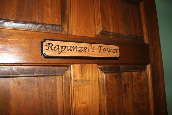 Ravenwood Castle : Rapunzel's Tower Door