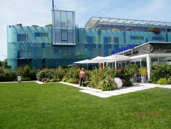 Hotel San Ranieri: Hermoso parquizado y construcción