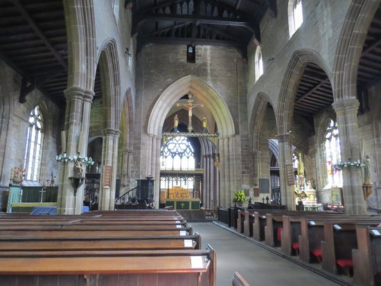 Chesterfield Parish Church/Crooked Spire: Interior of church
