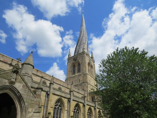Chesterfield Parish Church/Crooked Spire: Church view with spire
