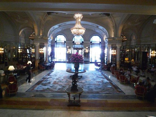 Hotel de Paris: ホテルロビー