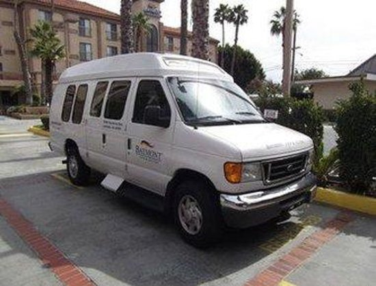 Baymont Inn & Suites - Lax/Lawndale: Property Van