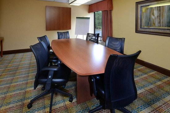 Holiday Inn Express Raleigh-Durham Airport: Boardroom