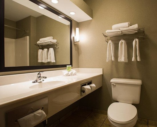 hotel review reviews holiday express suites topeka west wanamaker kansas