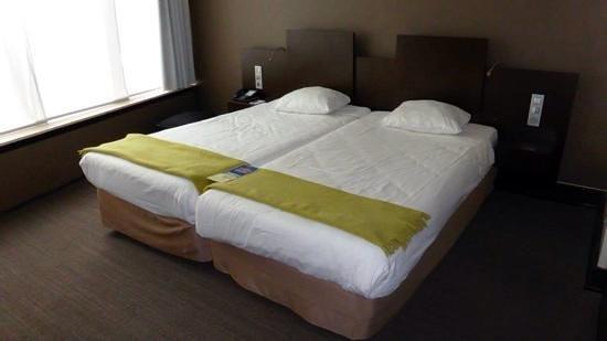 NH Amsterdam Caransa: Inside hotel room