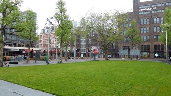 NH Amsterdam Caransa: Rembrandt Square with the hotel seen on the right