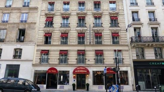 BEST WESTERN Ducs De Bourgogne : The front of the hotel