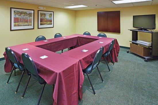 Holiday Inn Express Lynchburg: Meeting Room