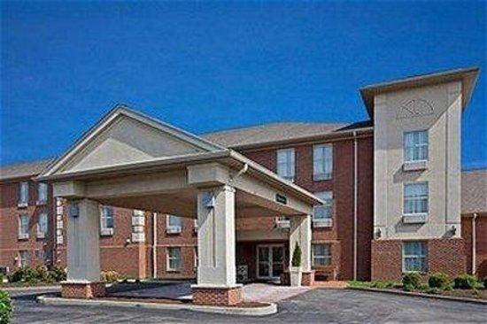 Holiday Inn Express Fairfield: Exterior Feature