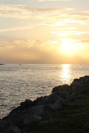 Hutchinson Island Plaza Hotel and Suites: sunrise from inlet