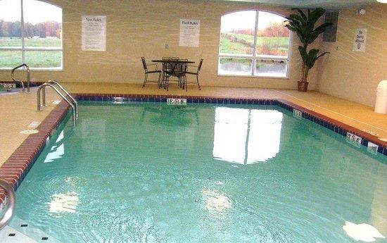 Swimming Pool Picture Of Holiday Inn Express Suites Malvern Malvern Tripadvisor