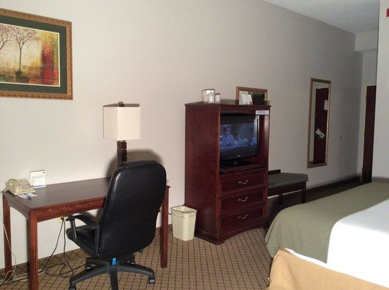 Holiday Inn Express Milford: Guest Room