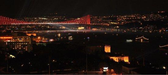 Gezi Hotel Bosphorus: Bosphorus View