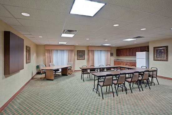 Holiday Inn Express Hotel & Suites Concordia US 81: Meeting Room