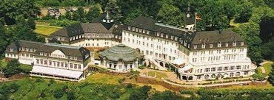 Steigenberger Grandhotel Petersberg: Hotel - view from top