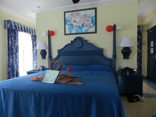 Hotel Riu Cancun: O quarto prearado para lua de mel