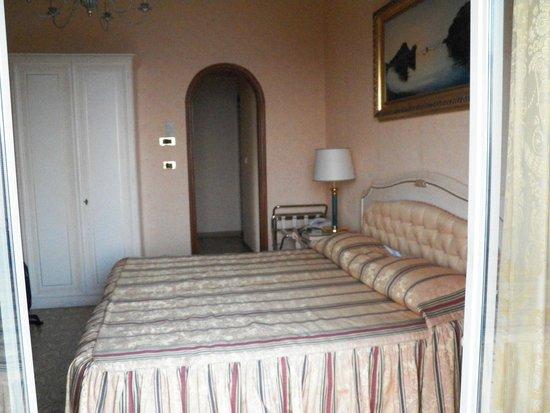 Hotel Villa Riis: Habitación