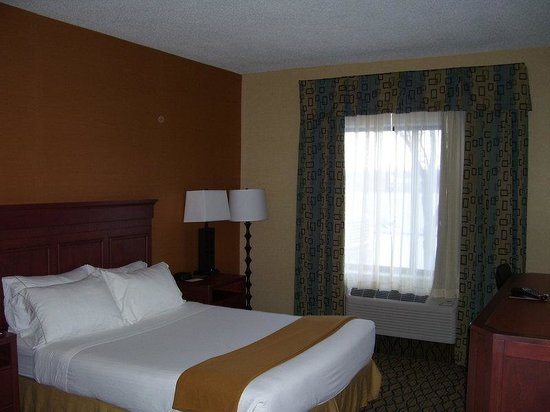 Holiday Inn Express Belleville: Single Bed Guest Room