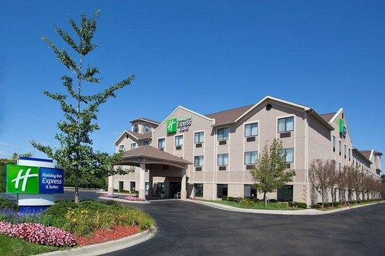 Holiday Inn Express Belleville: Hotel Exterior