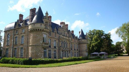 Chateau d'Esclimont: Externa