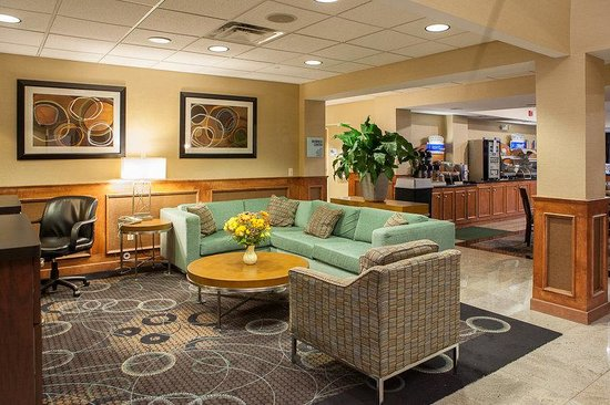 Holiday Inn Express Canton: Business Center