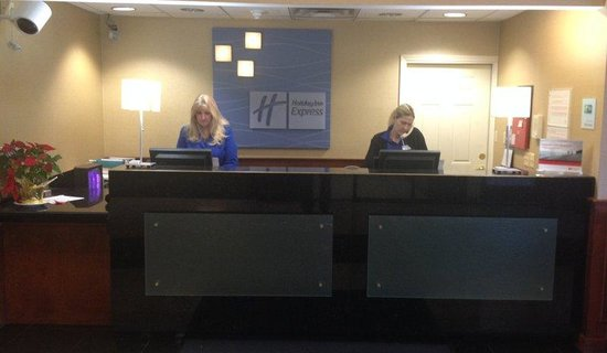 Holiday Inn Express Canton : Front Desk