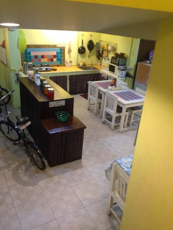 Dozy House: Homely kitchen