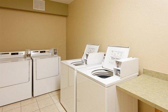 Holiday Inn Express Walla Walla: Laundry Facility