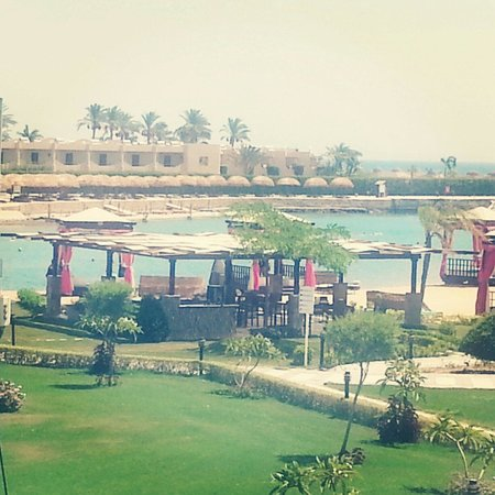 SUNRISE Grand Select Crystal Bay Resort: junior room view beach