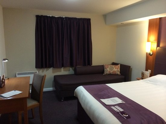 Premier Inn Mansfield Hotel: My room, upon arrival