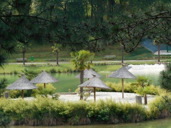 Yelloh! Village Le Lac Des Trois Vallees : île du lac