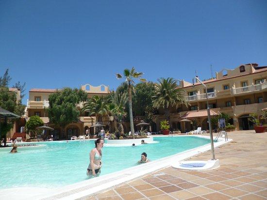 Elba Lucia Sport & Suite Hotel : POOL