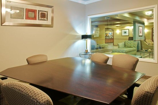 Holiday Inn Express Hotel & Suites Natchitoches: Boardroom
