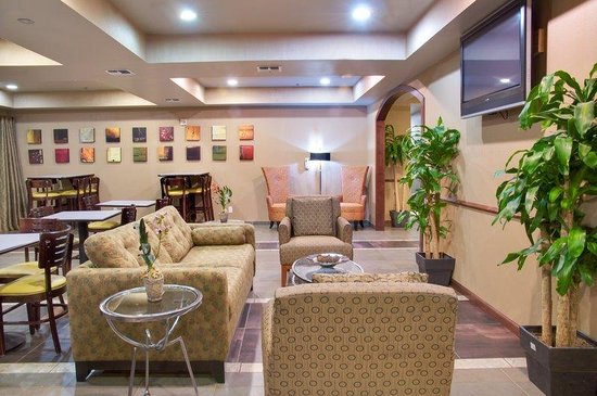 Holiday Inn Express Hotel & Suites Natchitoches: Guest Dining Lounge