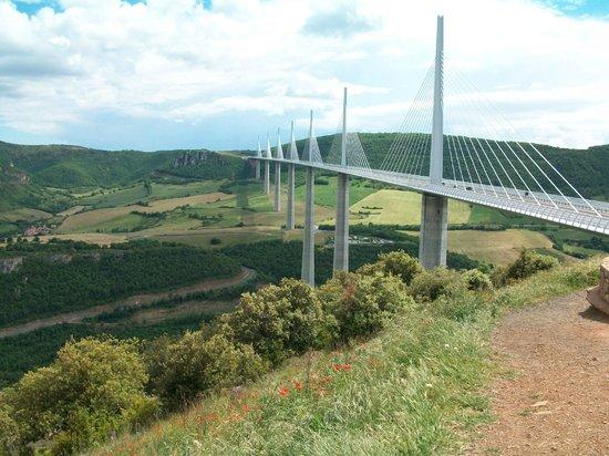 Viaduc de Millau : Вот такой парящий в воздухе виадук