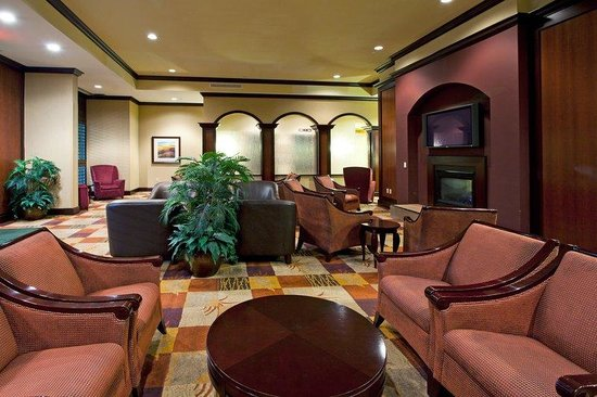 Holiday Inn Hotel & Suites Tallahassee Conference Center North : Holiday Inn Tallahassee Conference Center N Hotel Lobby