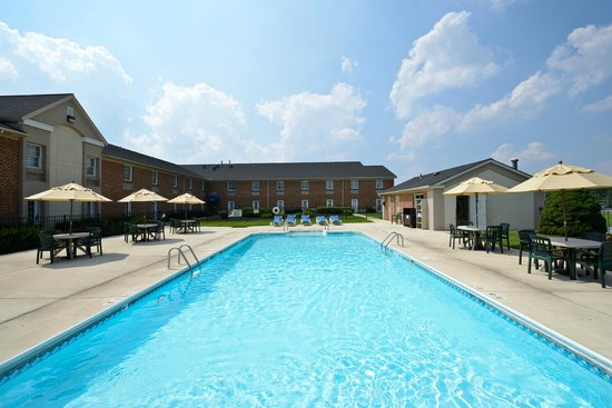 "Comfort Inn Lancaster - Rockvale Outlets: Outdoor ""Heated"" Pool"