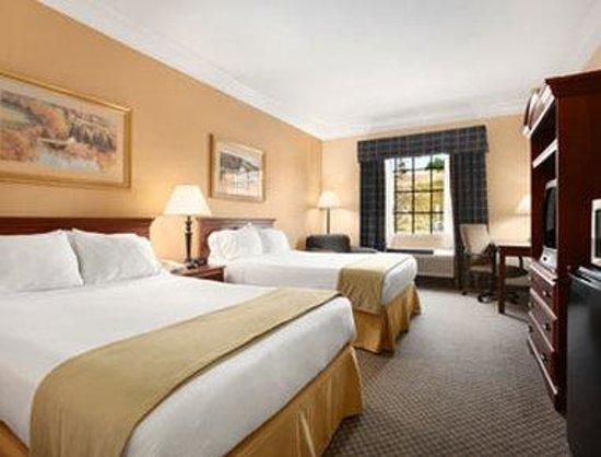 Days Inn Alta Vista: Standard Two Double Bedroom