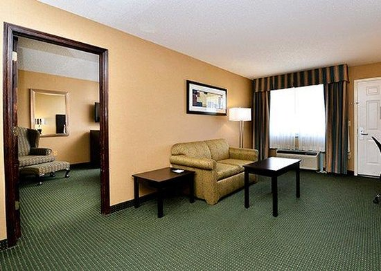 Quality Inn: Suite