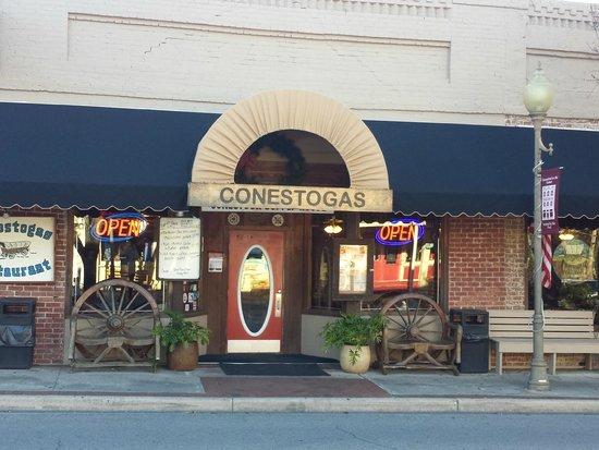 Conestogas Restaurant: Exterior