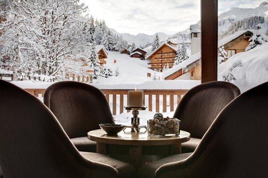 Hotel Le Grand Coeur & Spa: Vue du Bar sur le Mont Vallon