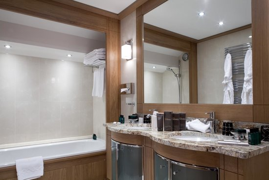 Hotel Le Grand Coeur & Spa: Salle de bain