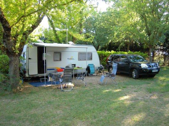 Camping Domaine de la Coronne: EMPLACEMENT CAMPING