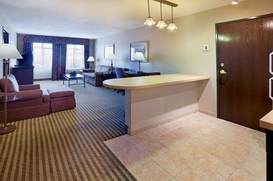 Holiday Inn Express Hotel & Suites - Marina : Executive Suite