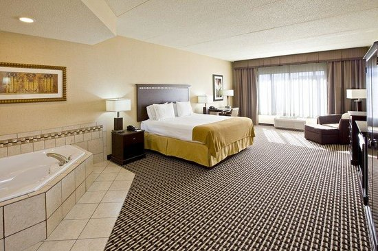 Holiday Inn Express King Bed Suite