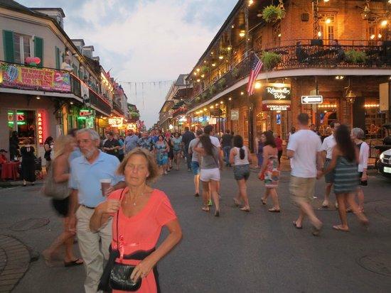 Best Western Plus French Quarter Landmark Hotel: Bourbon Street